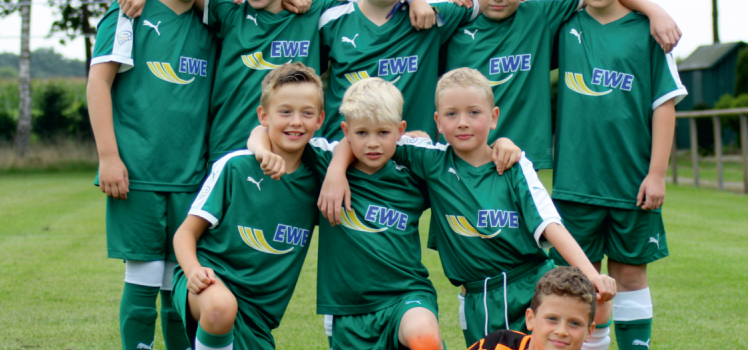 Kleine Kicker des Grün Weiß Lehrte wollen ins Weser-Stadion