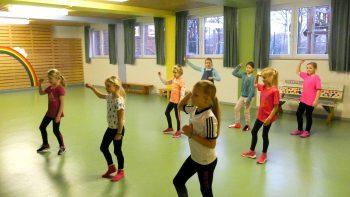 Permalink auf:Tanzgruppe